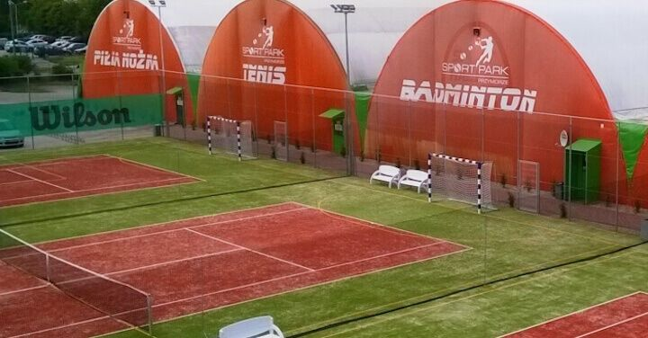 Oblúkové tenisové haly