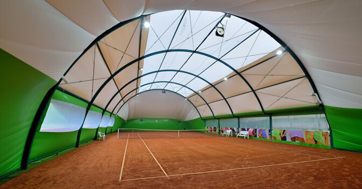 Oblúkové tenisové haly s rovnými bokmi